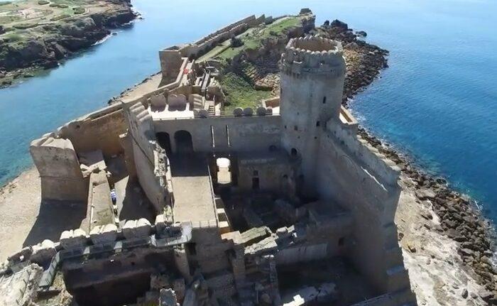Le Castella, A Jón-tenger Egyik Paradicsoma